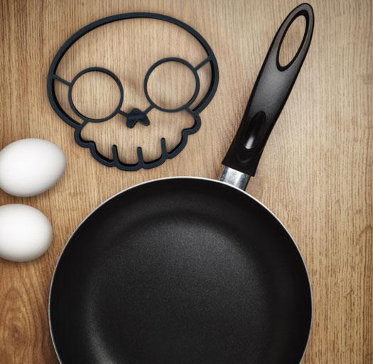 Emporte pi ce pour oeufs au plat cr ne gadgets et - Emporte piece oeuf au plat ...