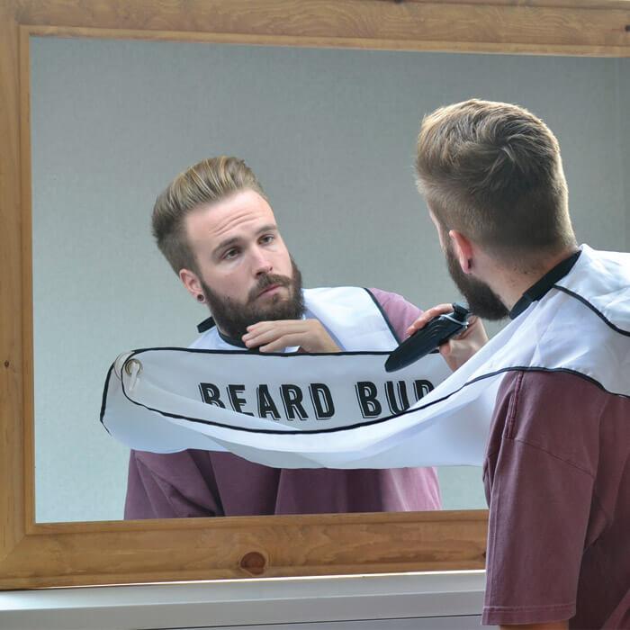 Frisierumhang für die Bartpflege