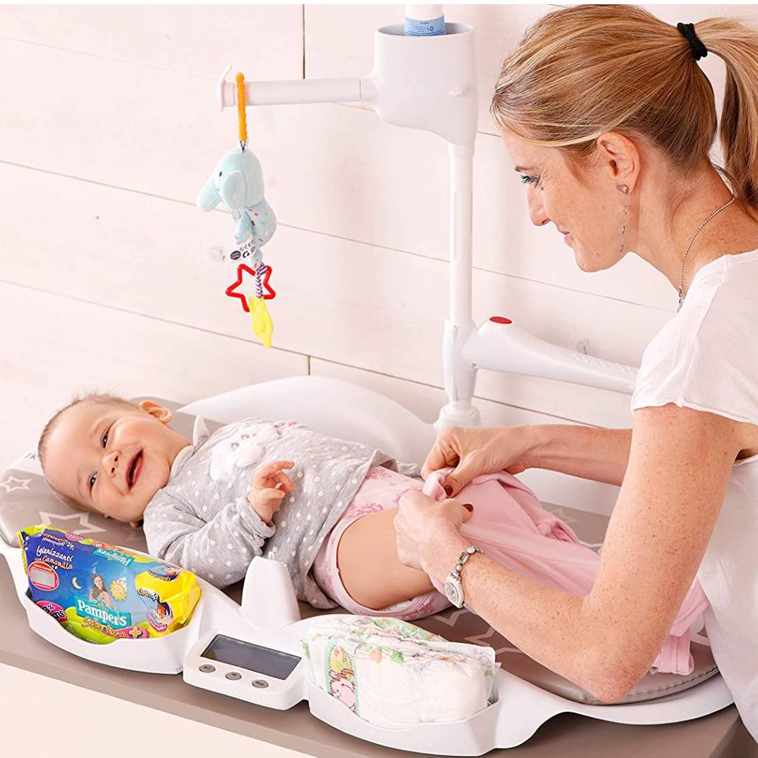 Multifunctional Changing Station with Baby Scale