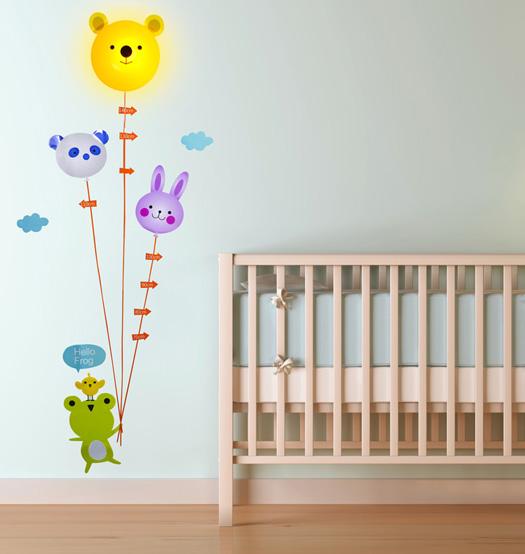 Kindermesslatte mit Wandstickern und Nachtlicht