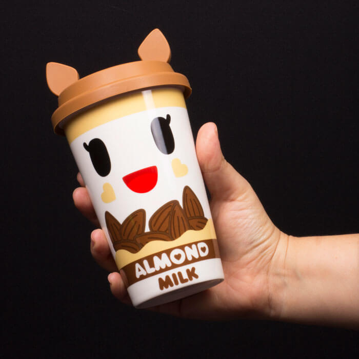 Bicchiere per Latte di Mandorla Tokidoki