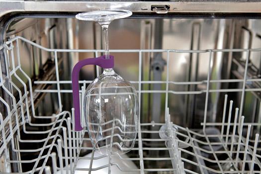 Weinglashalter für die Spülmaschine