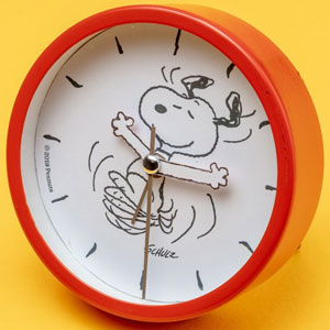 Snoopy Table Clock