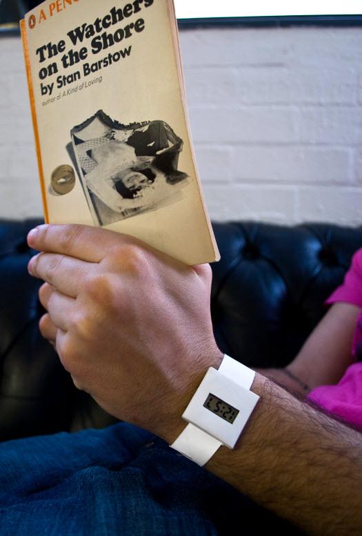 papier armbanduhr zum selbst designen gadgets und geschenke. Black Bedroom Furniture Sets. Home Design Ideas