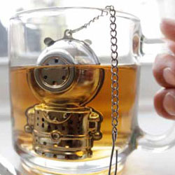 The Diver Tea Infuser